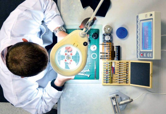 Christopher Ward industria ceasuri